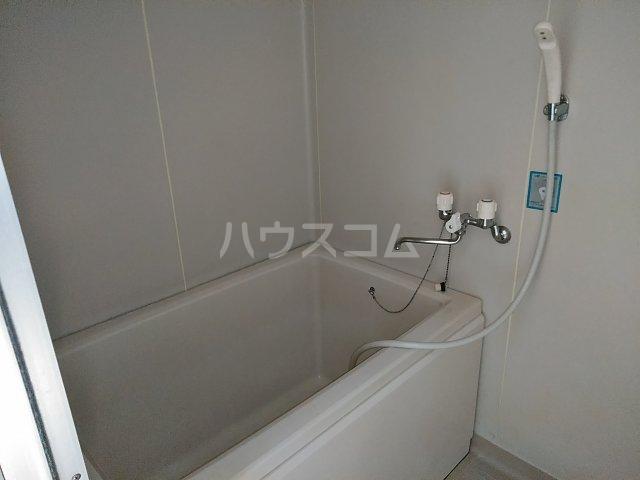 アピカル千王 205号室の風呂