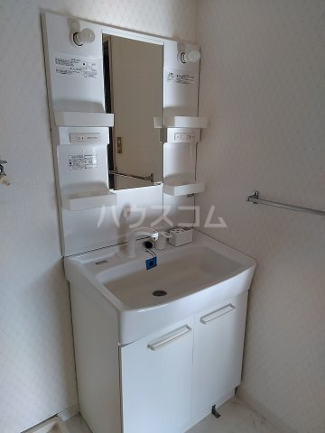 アピカル千王 205号室の洗面所