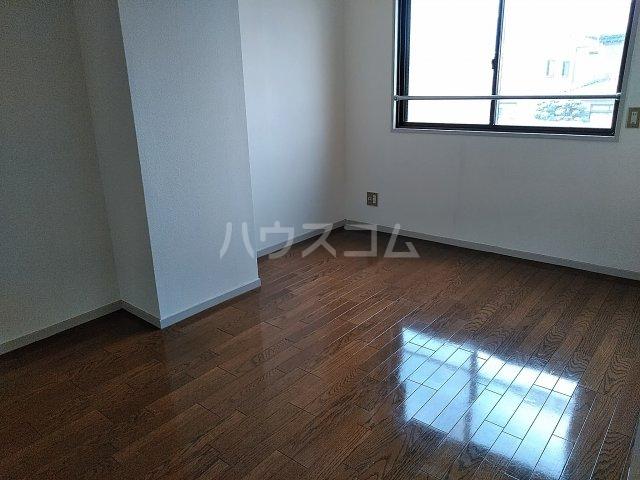 アピカル千王 205号室のベッドルーム