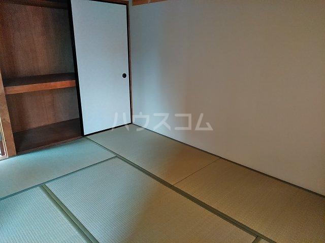 アピカル千王 205号室の居室