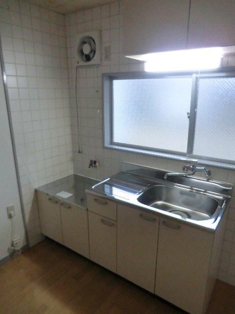 セーフティーハイム 101号室のキッチン