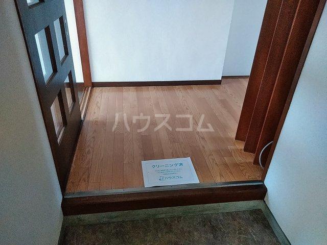 平和マンション 4A号室の玄関
