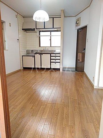 大豊マンション 103号室のリビング