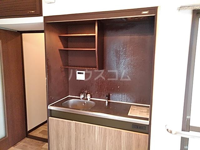 大豊マンション 305号室のキッチン