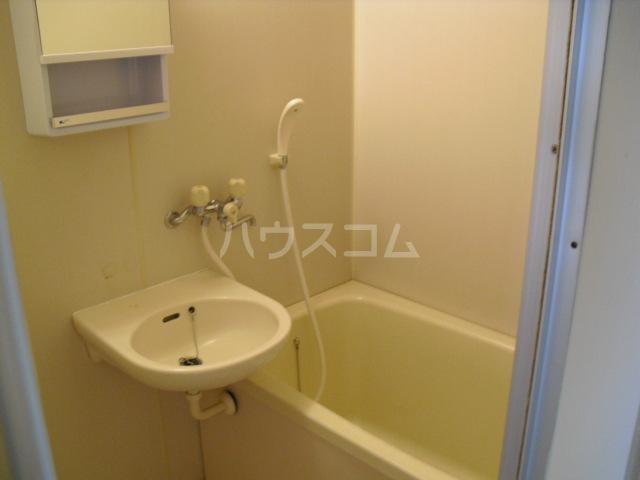 ブルーハイツ冨C 103号室の風呂