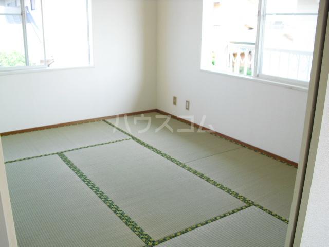 ブルーハイツ冨C 103号室の居室