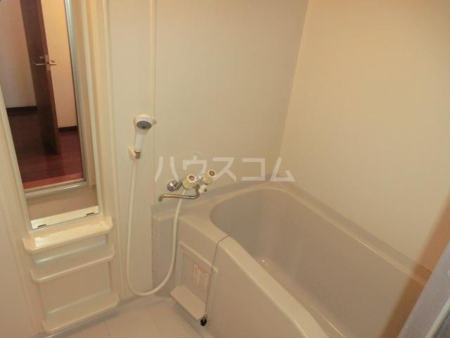 伊藤ハイム 201号室の風呂