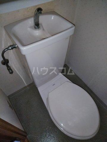 桜フラッツ 204号室のトイレ