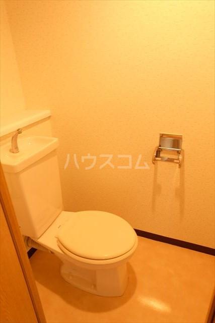 桜フラッツ 402号室のトイレ
