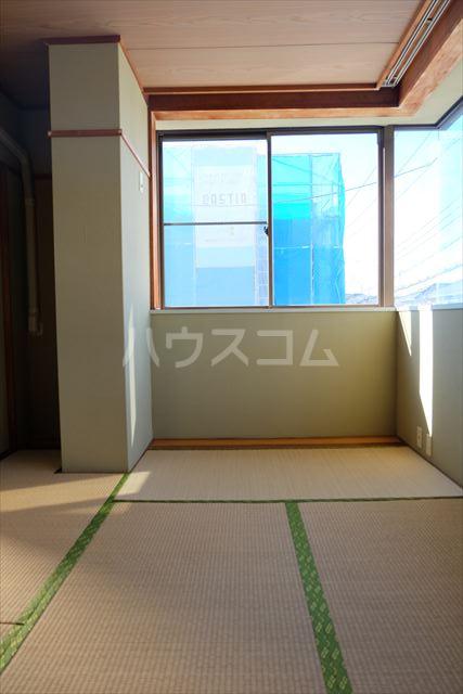 第2ミリオンパーク 203号室の居室