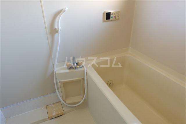 第2ミリオンパーク 203号室の風呂