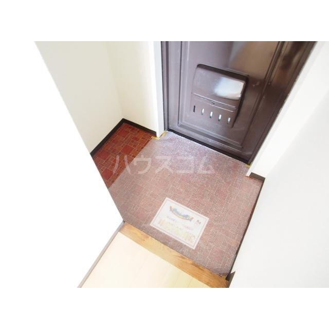 渋正第2ハイツ 302号室の玄関