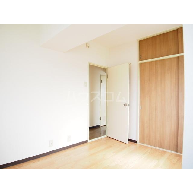 渋正第2ハイツ 302号室の居室