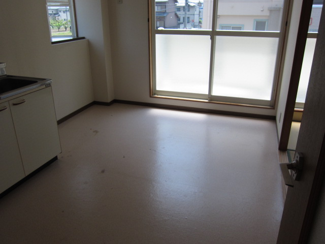 Surplus宇塚 202号室のリビング