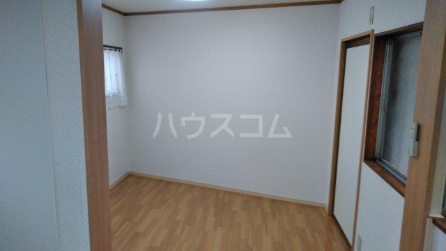 鈴木アパート E号室のリビング