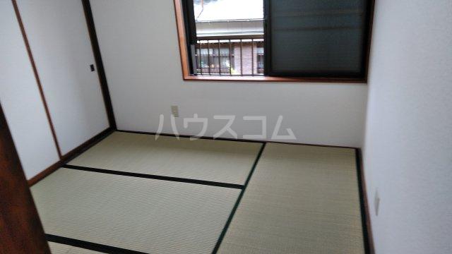 鈴木アパート E号室の居室