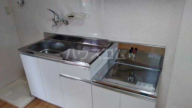 鈴木アパート E号室のキッチン