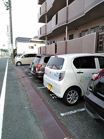 東マンションⅡ 5-A号室の駐車場