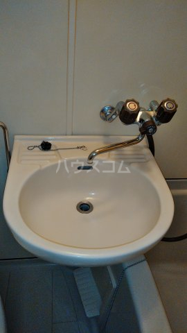 ユトリロ南栄 104号室の洗面所