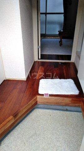 ユトリロ南栄 204号室の玄関