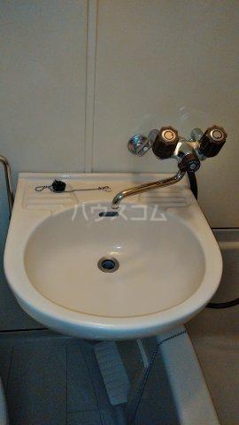 ユトリロ南栄 204号室の洗面所