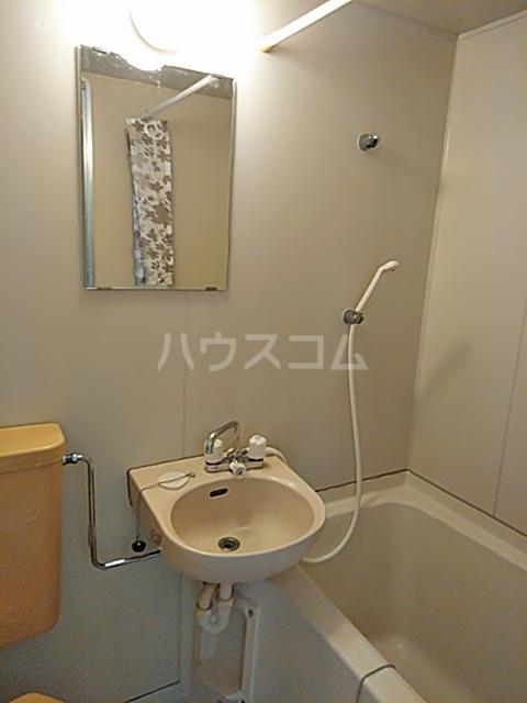 ユトリロ曙 1-D号室の洗面所