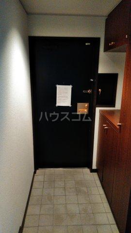 エスポア曙 503号室の玄関