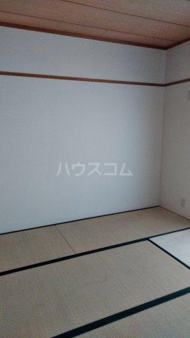 エスポア曙 503号室の居室
