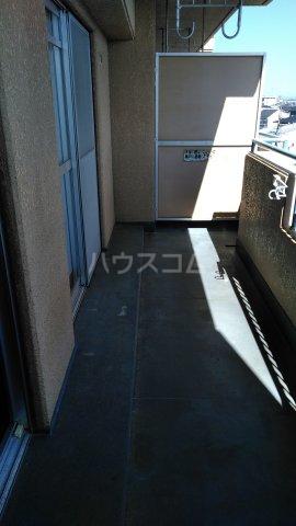 エスポア曙 503号室のバルコニー