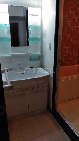 エスポア曙 503号室の洗面所