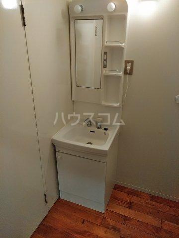 ユトリロ下地3 202号室の洗面所