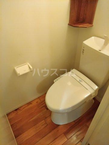 ユトリロ下地3 202号室のトイレ