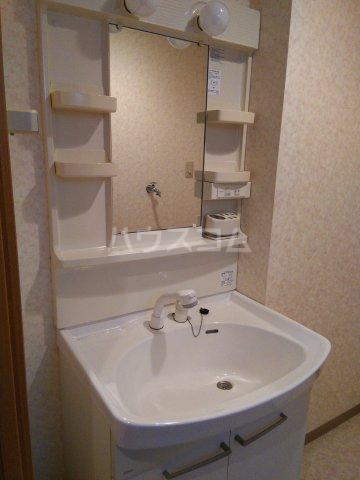 リベルテONE 103号室の洗面所