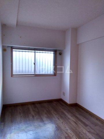 リベルテONE 103号室の居室