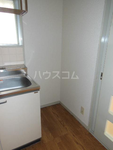 サンアイコート A 101号室のキッチン