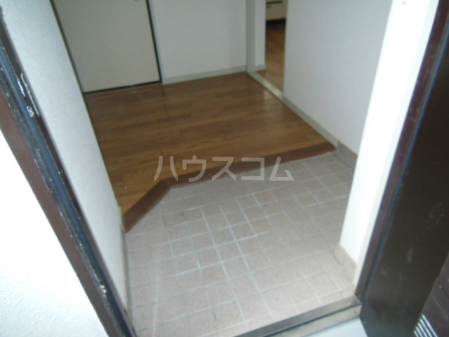 サンアイコート A 101号室の玄関