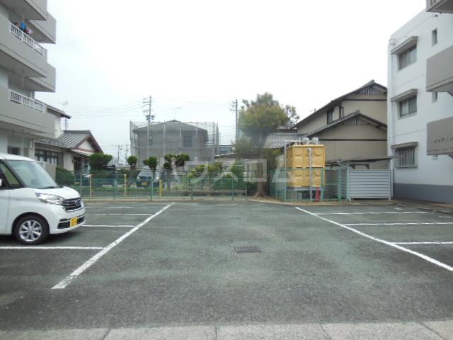 サンアイコート A 101号室の駐車場