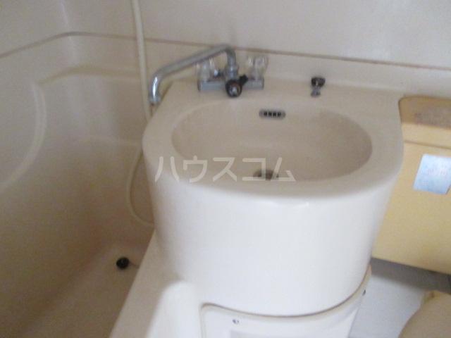 富田ハイツ 202号室の洗面所