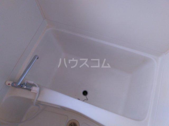 ラフォーレ西沢 101号室の風呂