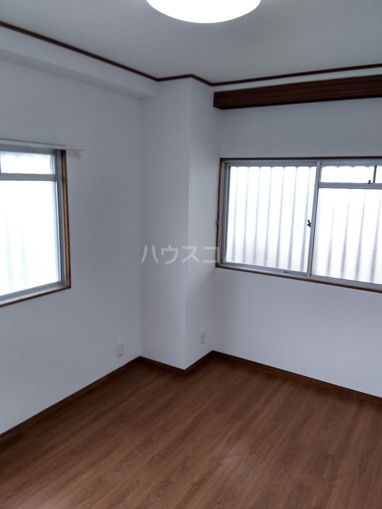 白河ハイツ 501号室の居室