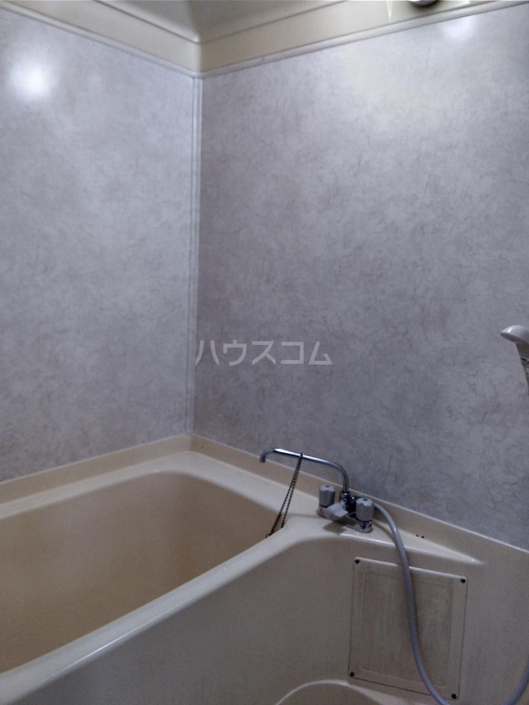 白河ハイツ 501号室の風呂