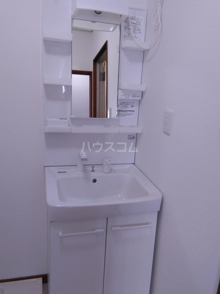 白河ハイツ 501号室の洗面所