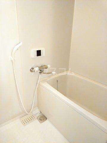シェスタヴィラ弐番館 302号室の風呂