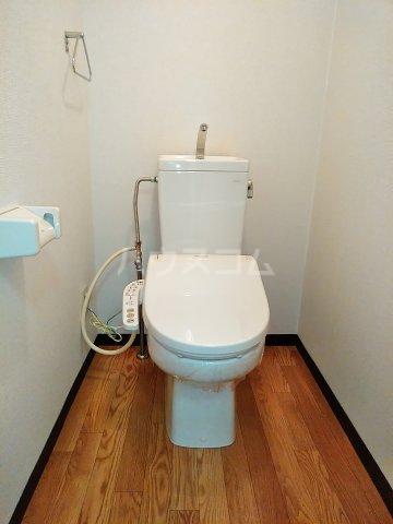 シェスタヴィラ弐番館 302号室のトイレ
