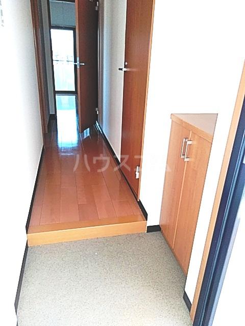 スマート・MS 301号室の玄関