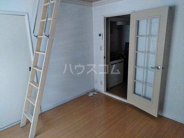 レオパレス21東八丁第3 201号室のリビング