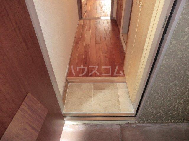 ユトリロ談合町 203号室の玄関
