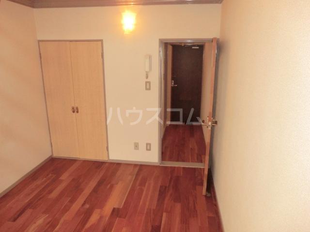 ユトリロ談合町 208号室のリビング