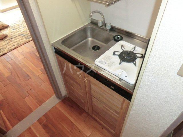 ユトリロ談合町 208号室のキッチン