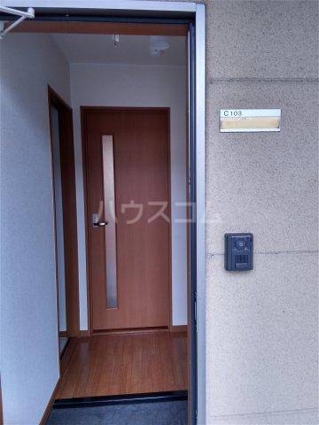 ブロードタウン神野Ⅱ C 103号室の玄関